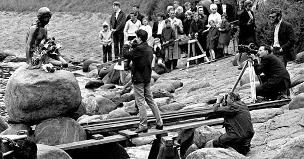 Den Lille Havfrue uden hoved 50 år siden - se billedserien - Tv-fredensborg.dk